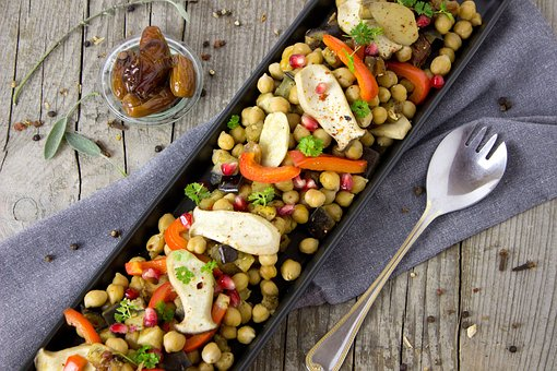 Read more about the article The Best Chickpea Salads with Avocado