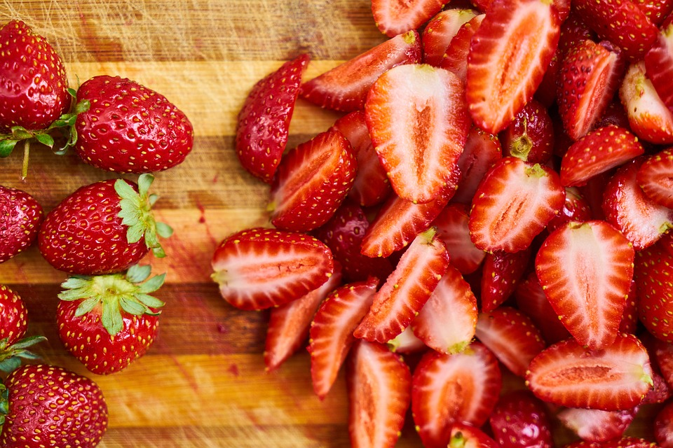 Read more about the article The Very Best Salads With Strawberries